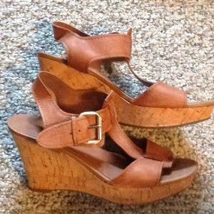 Franco Sarto SZ 7 Brown Platform Sandals